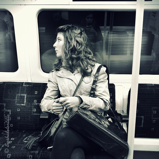 Londoners (I) by Carolina de Britos fotodeldia, passengers, photooftheday, sushiblackandwhite, sushidetortilla, sushiinlondon, sushiportrait,