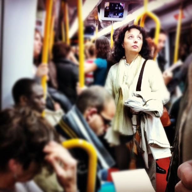 Lookin'up    by Vicente Jurado igersmadrid, iphone, passengers, street,
