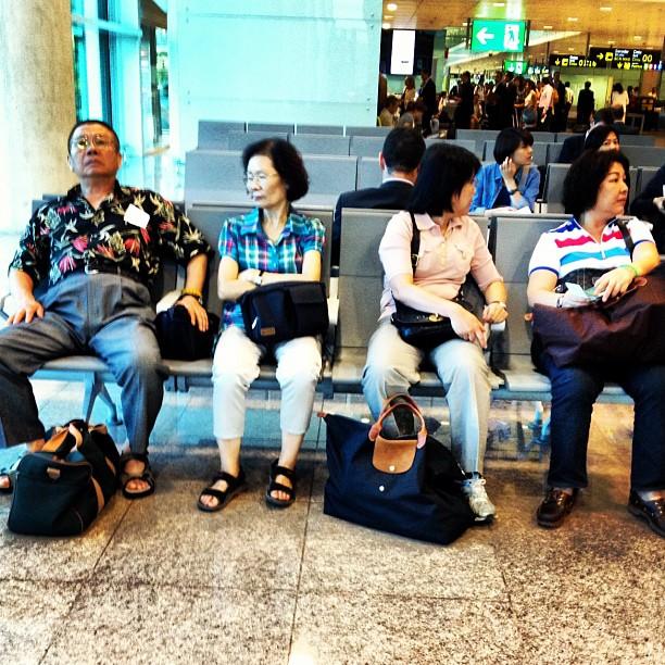 Sempre hi ha gent + matinera!! Bon dia!!!      by Ignasi Clapers airport, bcn, passengers, t1, ubiquography,