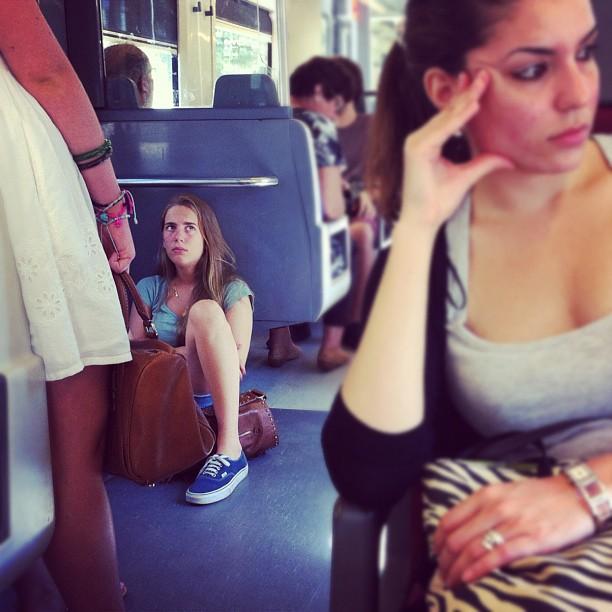 Mirades al tren     by Joan Torrens igersbarcelona, igerscatalonia, passengers, tallerdefotos,