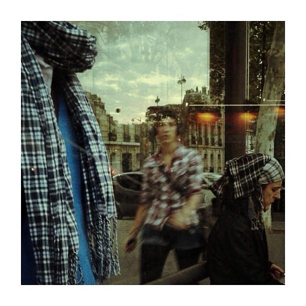 Je me suis tenue à carreau... by CeCiLe E. bus, candid, instagood, instamood, iphoneonly, paris, passengers, pedestrian, portrait, strangersintransit, streetcolors, streetphotography, streetphoto_color,