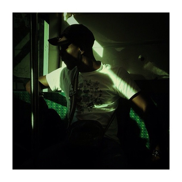 A l'ombre du bus / Chilling in the bus by CeCiLe E. bus, candid, instagood, instamood, iphoneonly, paris, passengers, portrait, strangersintransit, streetcolors, streetphotography, streetphoto_color,