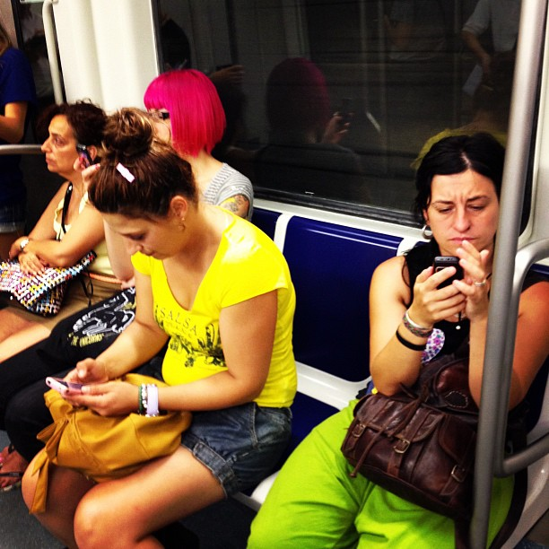 Colores by Fon Simó passengers, streetphotography,