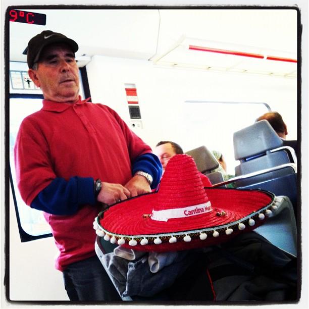 El mariachi  by Rafa Pérez passengers,