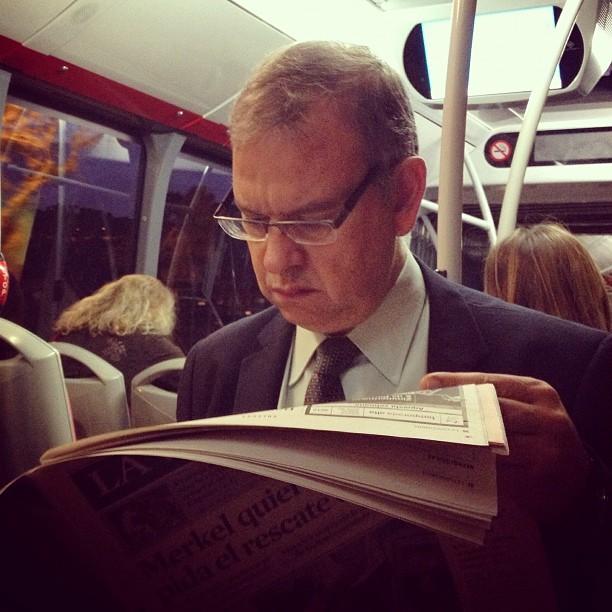 Reader  by Fran Simó passengers,