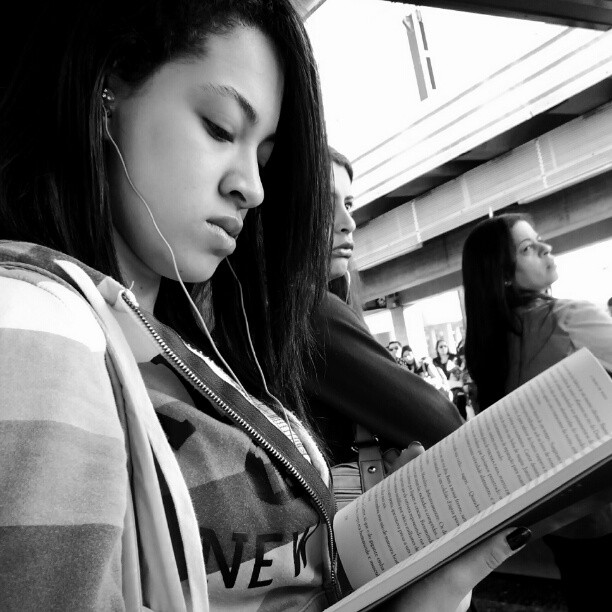 Reading... by Paulo Wang all_shots, ampt_community, amselcom, awesome_bw, blackandwhite, bnw_society, centralfeed, contestgram, fineart_photobw, gang_family, gf_brasil, gf_daily, hot_shotz, idestaque_id, ink361, insta_time, master_shots, most_deserving_bw, passengers, phototag_it, picsta, streetphoto, streetphotography, streetphotography_bw, streetphoto_bw, streetstyles_gf, streetwalker_069, street_photography,