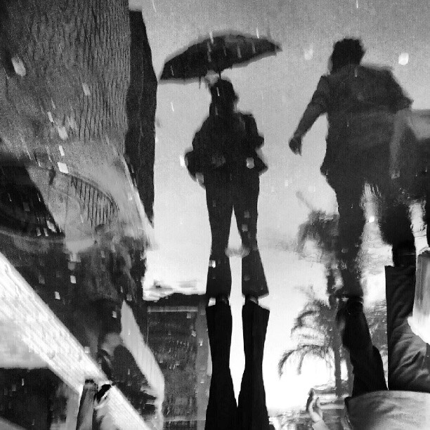 Yesterday I posted the picture, today I'll post the reflection at the ground. Which one do you prefer? Ontem postei a imagem. Hoje posto o reflexo no chão..... by Paulo Wang all_shots, ampt_community, artphoto_bw, awesome_bw, blackandwhite, bnw_society, contestgram, fineart_photobw, gang_family, gf_brasil, gf_daily, hot_shotz, idestaque_id, ink361, light_seekers, master_shots, most_deserving_bw, passengers, pb_lovers, phototag_it, picsta, streetphoto, streetphotography, streetphotography_bw, streetphoto_bw, streetstyles_gf, streetwalker_069, street_photography,