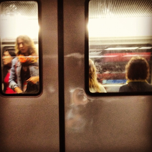 Untitled by Mariló Bigeis fotografia, iphoneography, passengers, photography, streephotography, ubiquography,