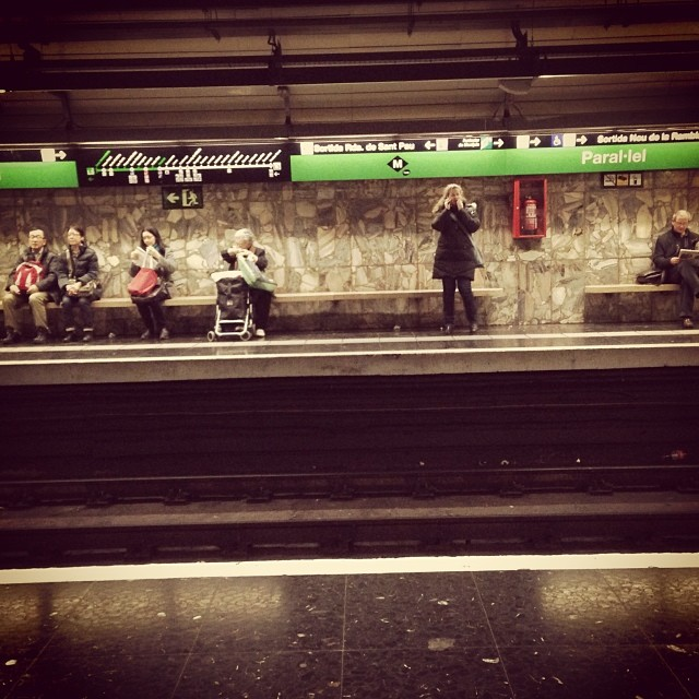 Waiting at paral·lel  by Paula Jarrin barcelona, igerbcn, igerscatalunya, instagramers, metro, paral, passengers, people, streetphotography, subway, ubiquography,