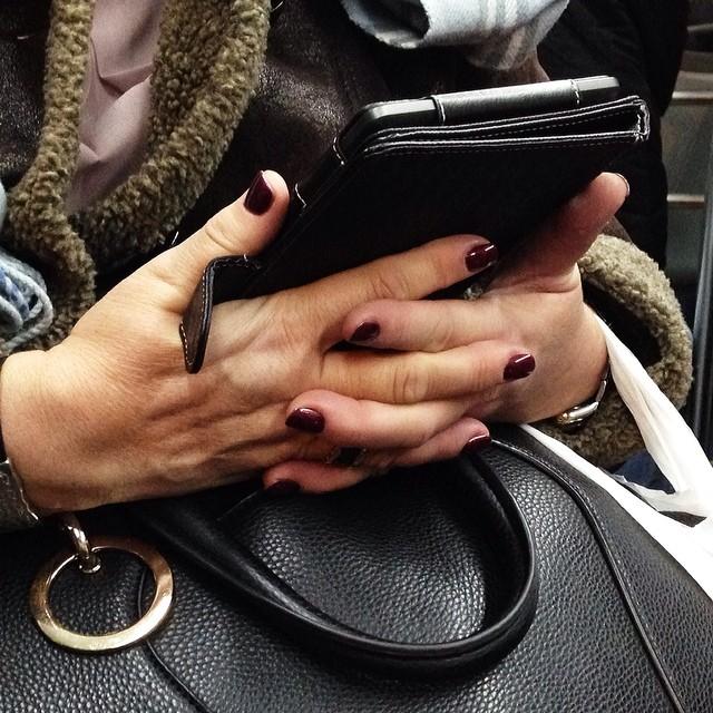 Crossed    by Paula Jarrin barcelona, bus, colour, ereader, ereading, fragment, hands, igerbcn, igerscatalunya, instagramers, passengers, snapseed, streetphotography, ubiquography, woman,