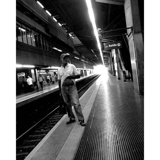 After work... Depois do trabalho.... by Paulo Wang passengers,